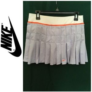 🦋Nike skort size medium polyester-spandex pleated